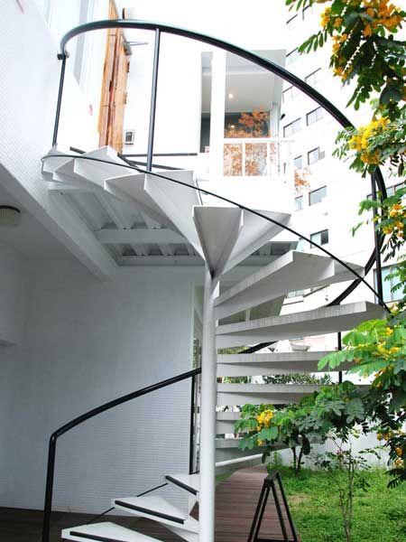 中柱旋转楼梯