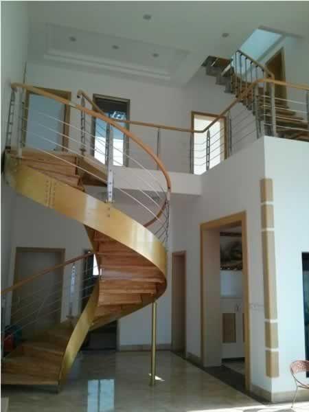 时尚钢木卷板楼梯