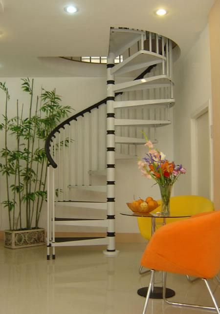 现代化炮筒楼梯设计